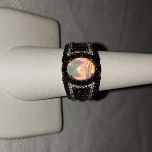 Opal-Black Spinel-white Zircon